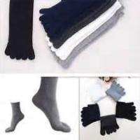 Cheap Fashion white and black color women 100 percent Acrylic ankle five toe anti slip socks wholesale