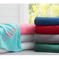 China Solid Color Coral Colored Throw Blanket For Sofa / Bed Anti - Pilling Comfortable wholesale